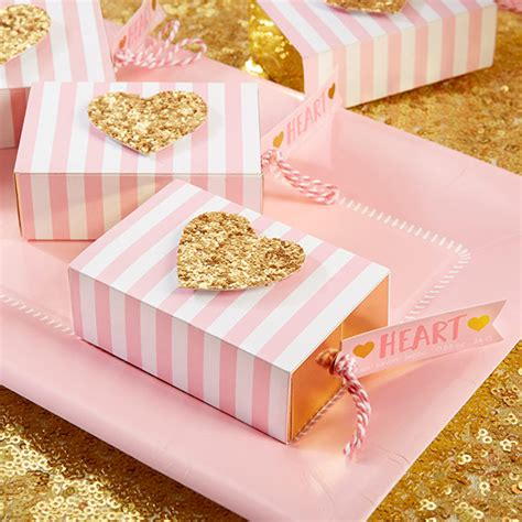 Gold Baby Shower Favors by 5 Regal Favors For A Gold Baby Shower Corner Stork Baby