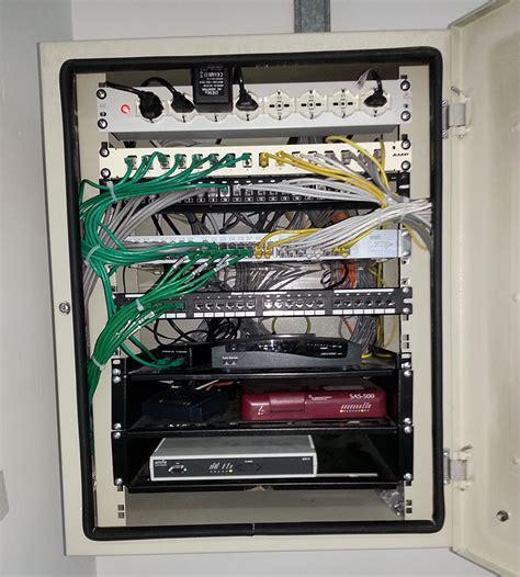 armadietto rack cablaggio archivi nael