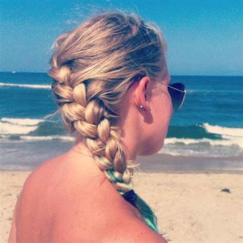 Casual Hairstyles For The Beach | a few casual hairstyles to wear at the beach