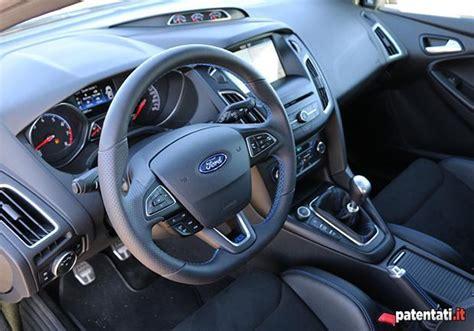 focus interni foto ford focus rs interni