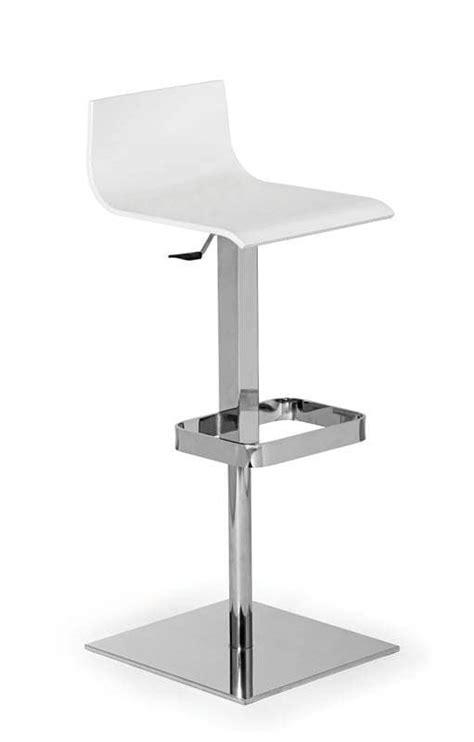 altezza sgabello bar sgabello in acciaio con altezza regolabile per bar idfdesign