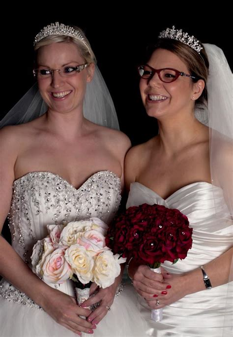 Wedding Hairstyles For Brides With Glasses by Don T Walk The Aisle In A Blur Bridal Eyewear By