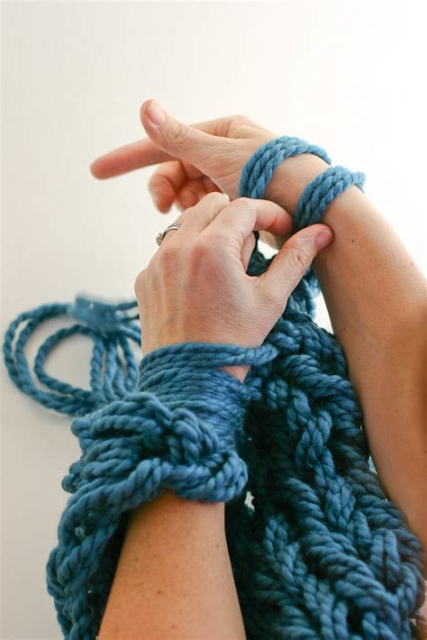 how to end arm knitting arm knitting how to pdf a step by step photo tutorial