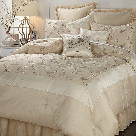 hsn comforter sets 17 best images about tendidos on pinterest brown bedding