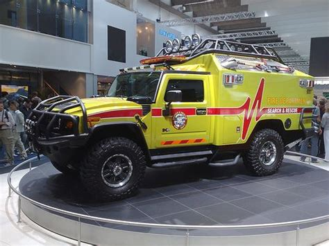 Rescue Car it s ratchet from transformers hummer humvee rvinyl http www