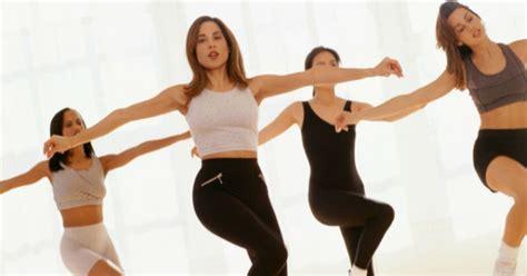 imagenes de step up muss jazzercise combina baile y ejercicio enforma180