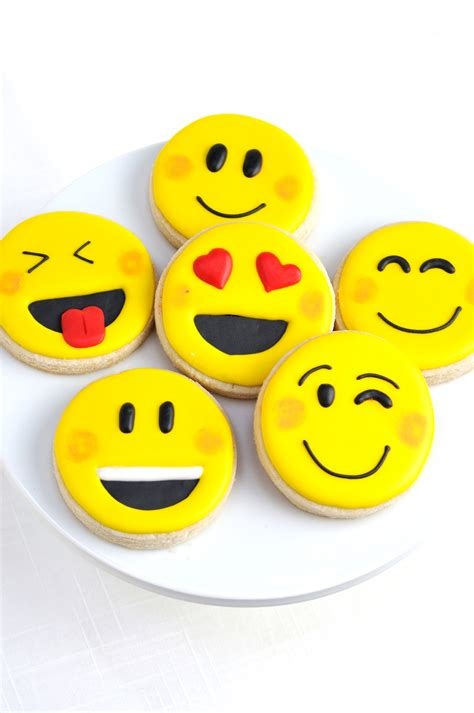 celebration emoji awesome diy emoji birthday party ideas party ideas