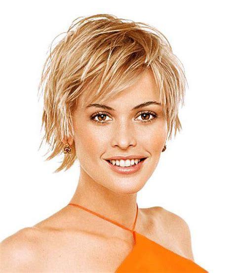 coupe cheveux court femme visage carre