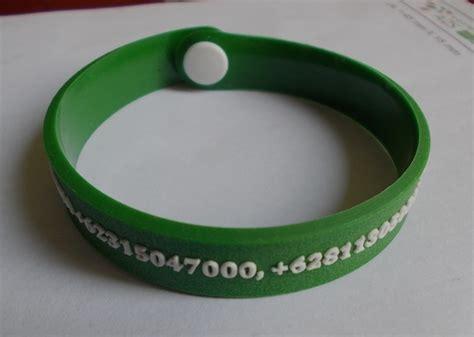 Murah Tatakan Gelas Silikon Model Kancing tempat produksi gelang karet wristband istana rubber