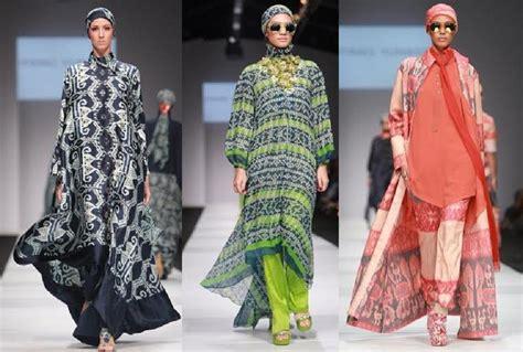Baju Muslim Itang Yunasz Desainer Itang Yunasz Busana Kaftan Tak Lagi Ngetren