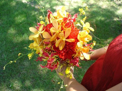 wedding bouquet   Petalena: Creative Designs for Weddings