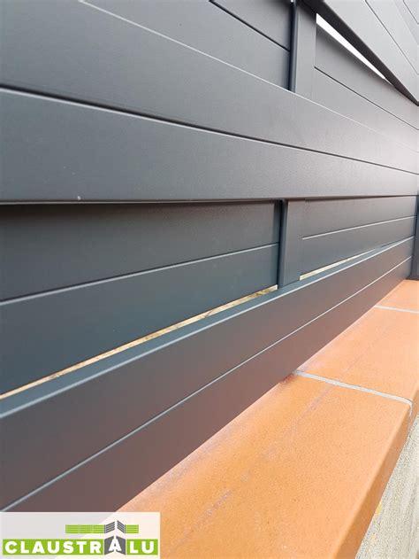 cloture jardin aluminium brise vue en aluminium design tress 233 pour cl 244 turer un jardin