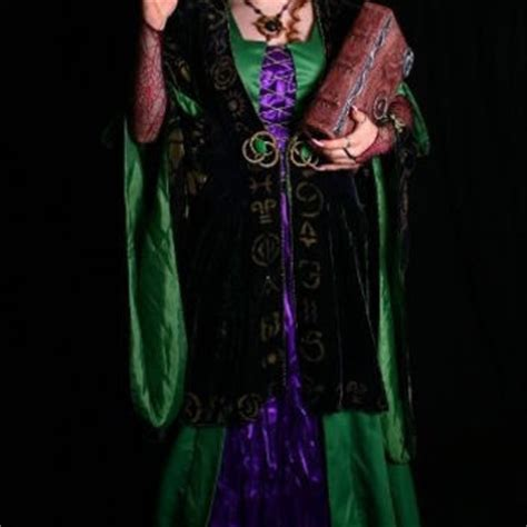 bette midler in hocus pocus costume hocus pocus bette midler winifred robe from magicwardrobe