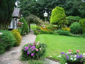 cottage garden design embellishing your house with small cottage garden ideas