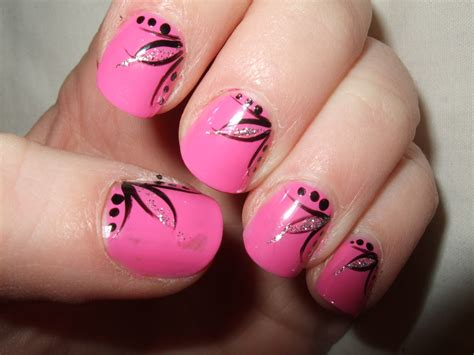 design art for nails oooooh pretty my first ever nail art design