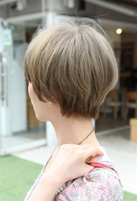 pics of the back of short hairstyles for women beautiful bowl cut with retro fringe short japanese