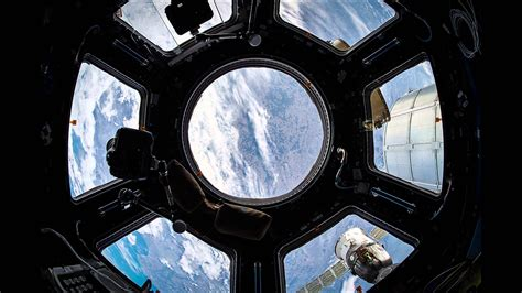 iss cupola iss timelapse half orbit inside the cupola 08 marzo