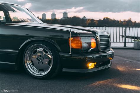 Bad Garage by Mercedes W126 Sheikh Lowdaily Project