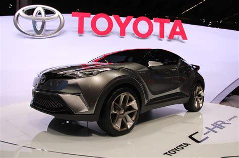 Toyota Al Toyota C Hr Il Suv Ibrido Debutta Al Motor Show Tutto
