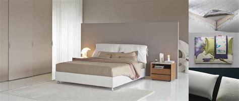 posizione letto per dormire bene dormire bene letto materasso e biancheria cose di casa