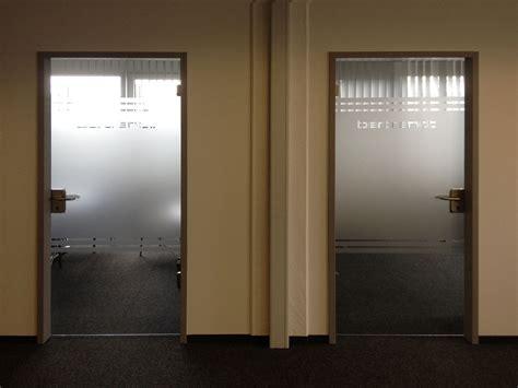 Möbel Bücherregal by Muster Tapete Wohnzimmer