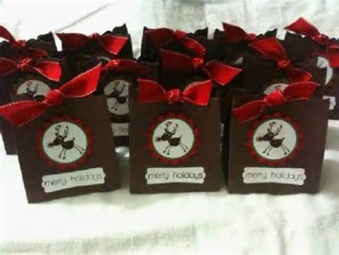 rainingblossoms christmas wedding favors