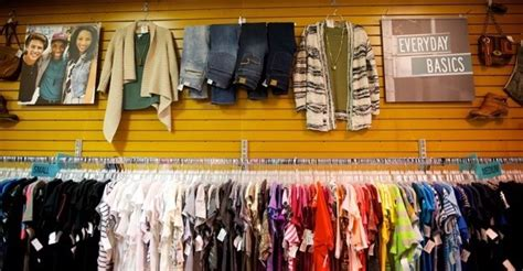 Stores Similar To Plato Closet by Plato S Closet Brings A Fresh New Retail Experience To