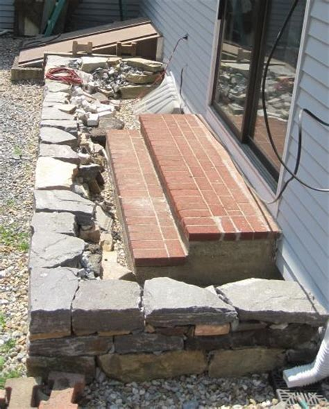 Wood Patio Pavers Do It Yourself Paver Patio Patio Design Ideas