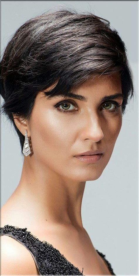 earrings with a bomb hair cut tuba b 252 y 252 k 252 st 252 n is a beautiful turkish actress pixie