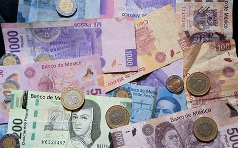 www ayuda de 500 pesos en abril 2016 weak mexican peso affects families on both side of the