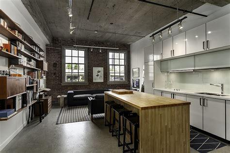 desain rumah loft coba desain ruangan dengan material ekspos pada dinding