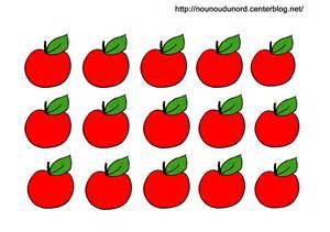 coloriage 224 gommettes la pomme