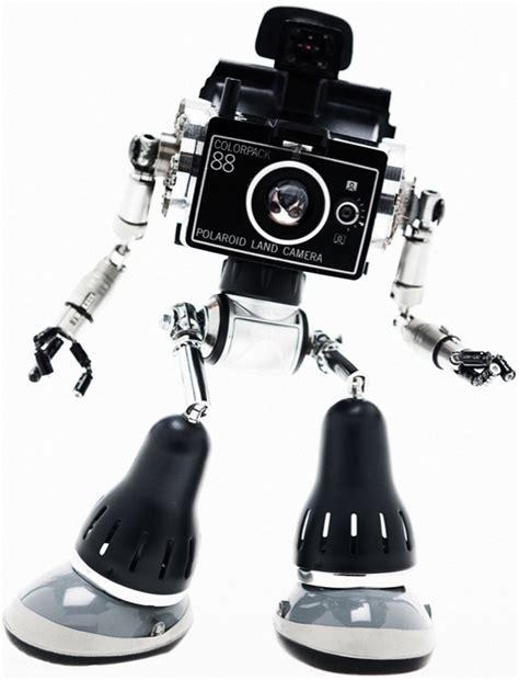 robots   obsolete objects  andrea petrachi