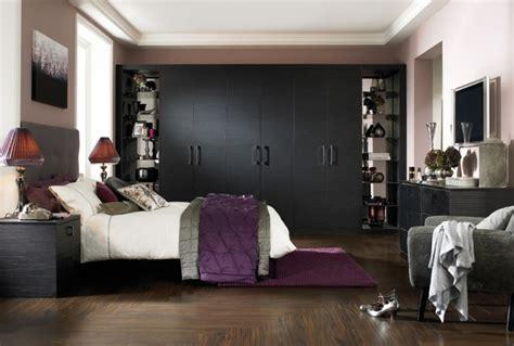 Schwarzer Kleiderschrank by Schwarzer Kleiderschrank Verleiht Dem Schlafzimmer Eine
