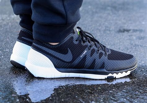 Nike Free Trainer 3 0 nike free trainer 3 0 v3 black white sneakernews