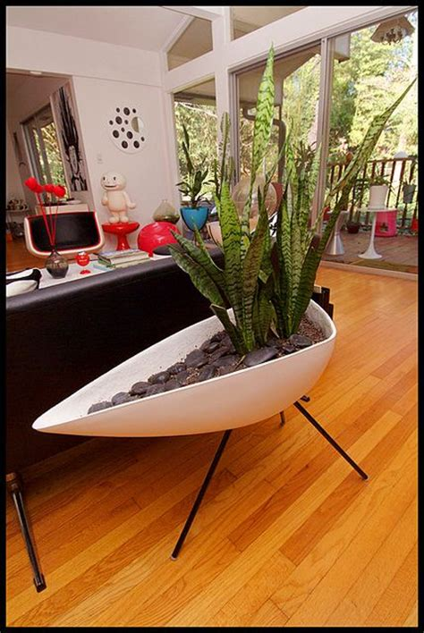 planters the plant and mid century modern on pinterest