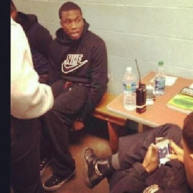 a ap ny ft meek mill from fame to jail meek mill arrested released in nyc