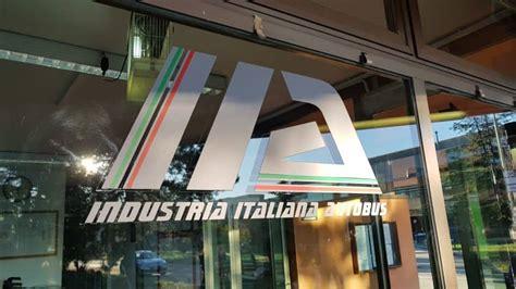autobus candela roma industria italiana autobus il destino di 450 lavoratori
