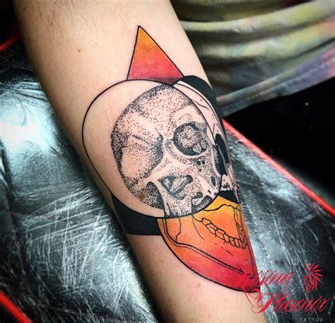 aj lee tattoo dotwork black and colour skull rising