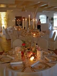 tischdeko runde tische hochzeit trennwand luxus tischdeko hochzeit vintage rot hochzeit