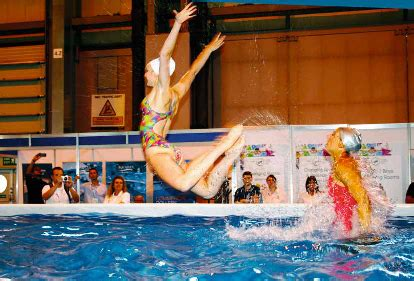 liw reports  pics wave makers pool