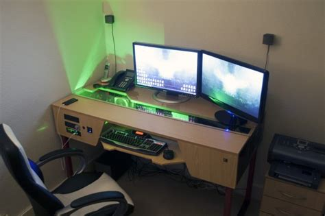 20 Awesome Battlestations That Ll Blow Your Mind Building A Gaming Desk
