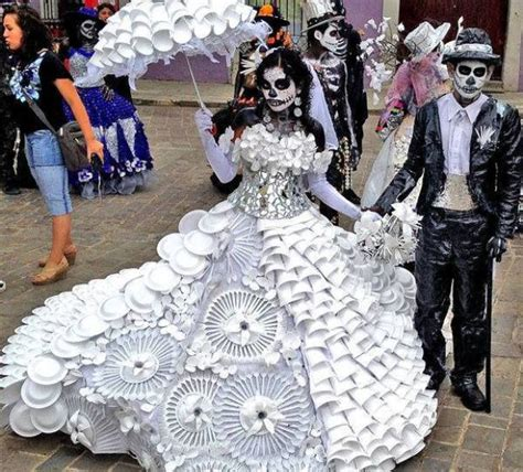 Skull Home Decorations by Amazing Halloween Costumes Recycled From Plastic