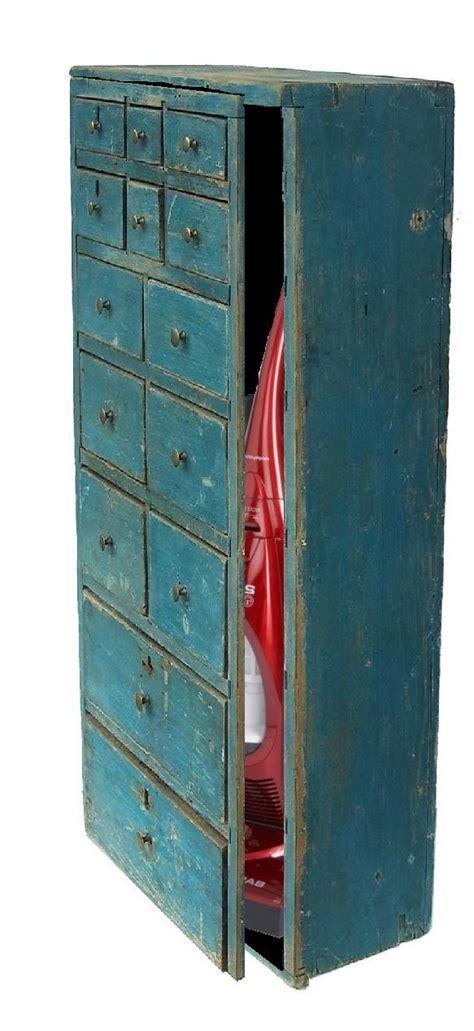 Vacuum Cleaner Storage Cabinet 25 Best Ideas About Vacuum Cleaner Storage On Pinterest
