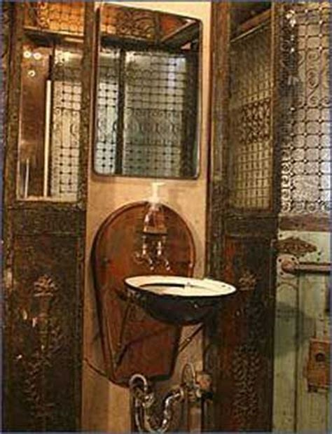 pirates of the caribbean bathroom decor steunk ideas and decoration on pinterest