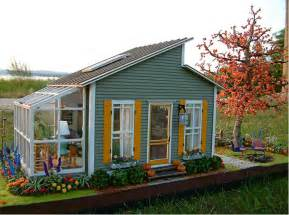great small houses great ideas for a small house greenhouse on the side