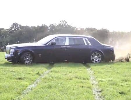 video of the week: rolls royce phantom countryside