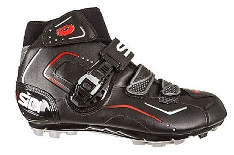 best winter bike shoes winter cycling shoes choosing the best i bicycling