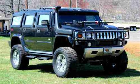 hummer h2 2007,           lifted and custom upgraded grew