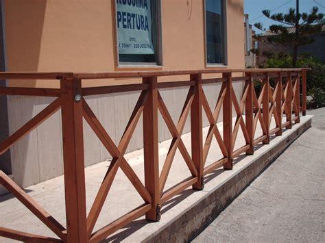 ringhiera per esterno ringhiere in legno per esterno corso legnami srl ringhiere
